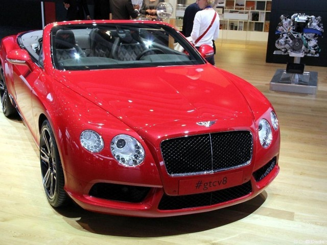 Bentley Continental GTCV 8