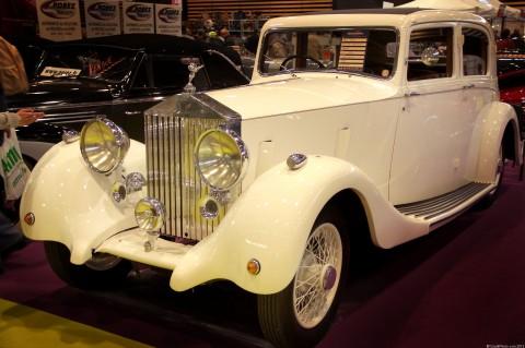 Rolls-Royce 25 30 Sports Saloon, Epoqu'Auto 2013 La Rolls-Royce 25 30 est une automobile de luxe produite de 1936 à 1938 par le constructeur britannique Rolls-Royce. La Rolls-Royce 25 30 est une version améliorée de la 20/25 HP équipée d'un moteur plus puissant, puisqu'il arrivait souvent que des carrosseries surdimensionnées […]