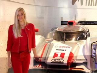 Hôtesse Mondial 2012 stand Audi